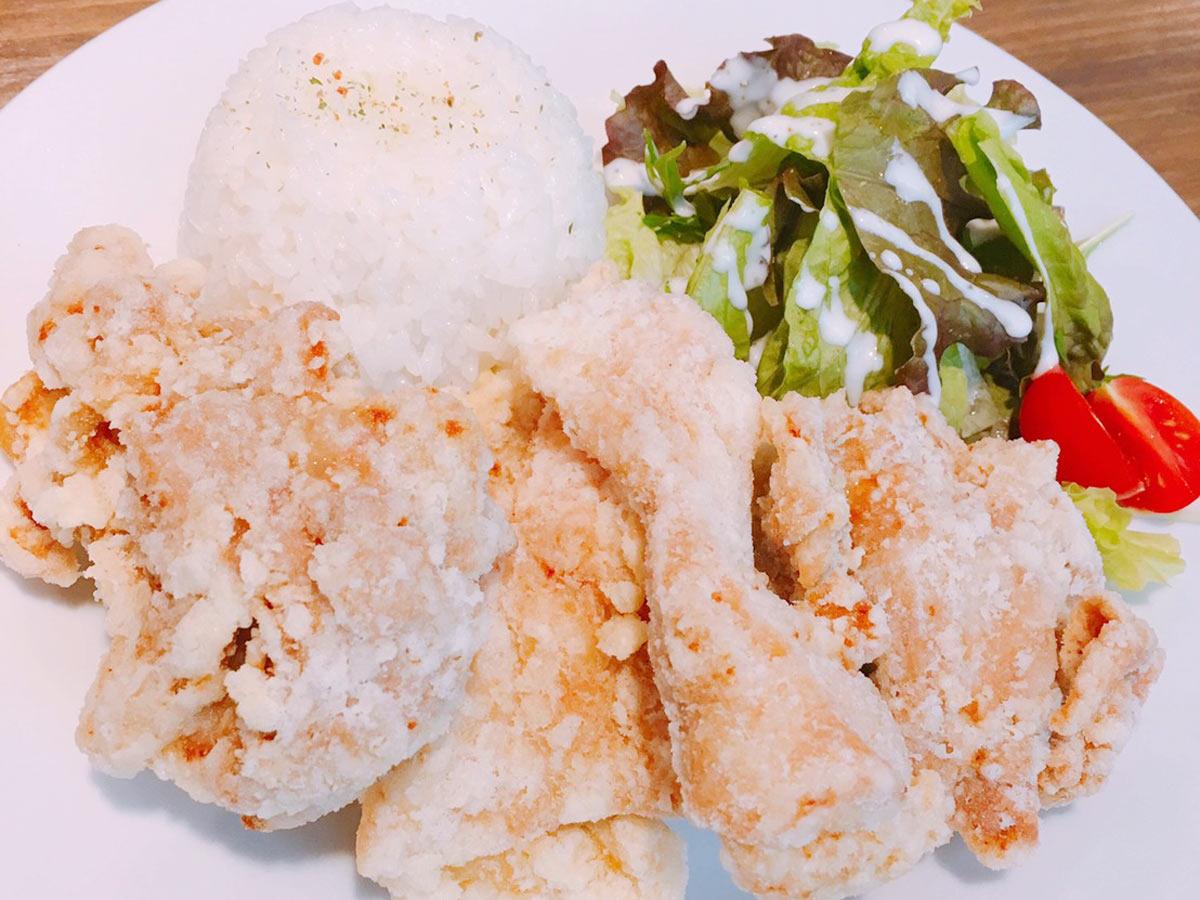 宮崎県産鶏自慢の人気メニューモチコチキンセット